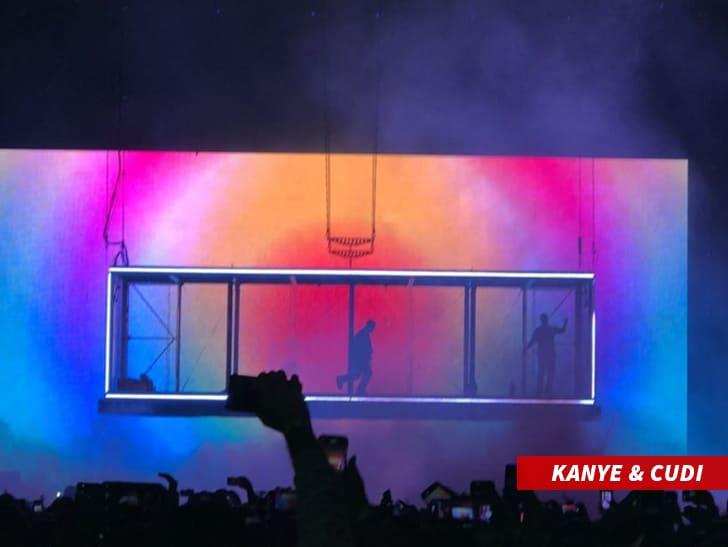 -kanye-stage-insta-2